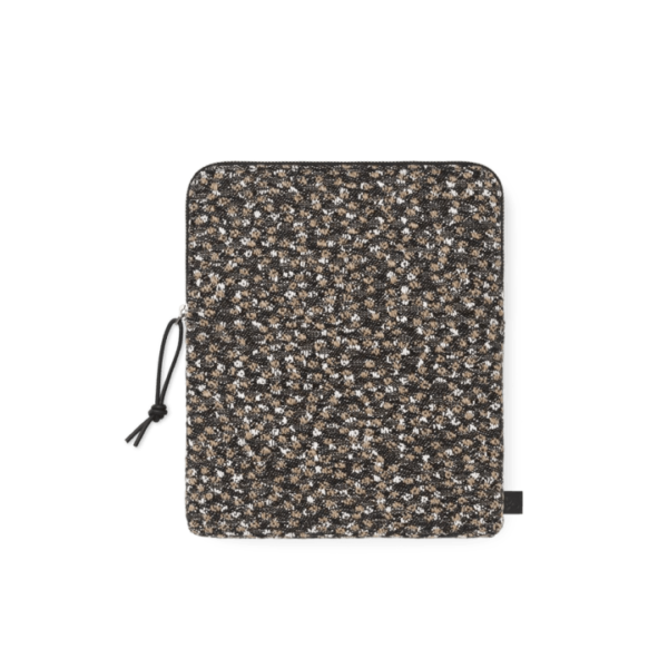 Earphone pouch, Ria by Kvadrat / Raf Simons - Technoliving - Bang & Olufsen